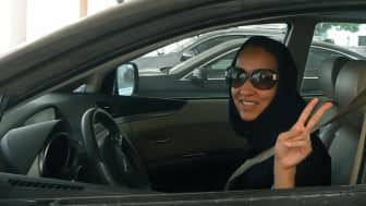 With the help of Wajeha Al-Huwaider, a fellow militant, she was able to film her act of driving a car.