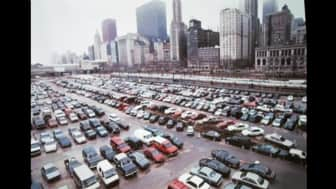 In 1997, a parking space was built in the northwestern portion of Grant Park.