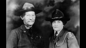 In 1912, Gordon Low and Baden-Powell went to the United States to spread the scouting movement.