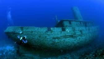 Freediving was used by ancient people for various purposes like hunting for food, pearls, sponges, and other valuables that came from sunken ships.