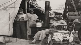 She is well regarded for her photos of the Great Depression, where she captured images of migrant farm workers.