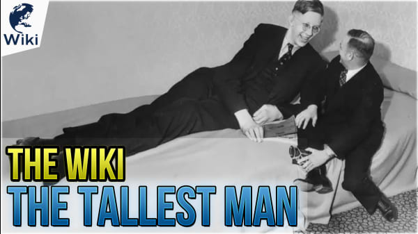 Get To Know The Tallest Man In History