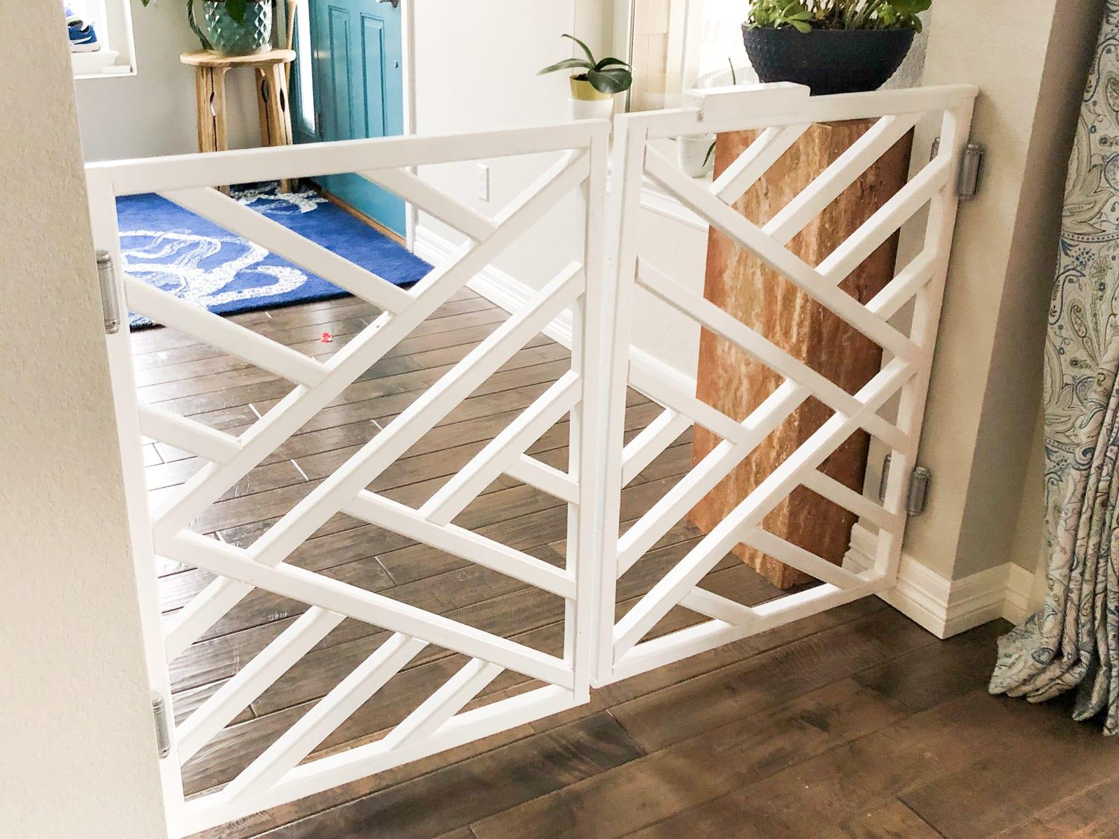 pet / child gate