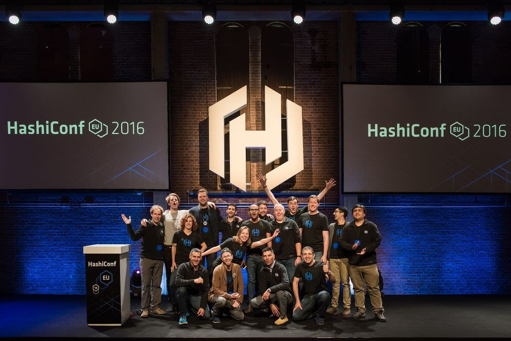 HashiCorp hashiconf-eu-team-photo.jpg