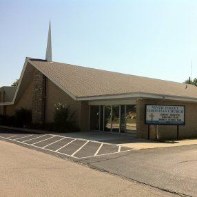 Ninth Street Christian Church in Eldon,MO 65026