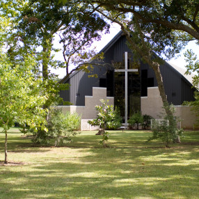 Chapelwood United Methodist Church in Lake Jackson,TX 77566