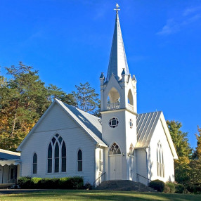 Middle Creek United Methodist Church in Pigeon Forge,TN 37863