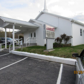 Mount Zion Baptist Church in Spring City,TN 37381