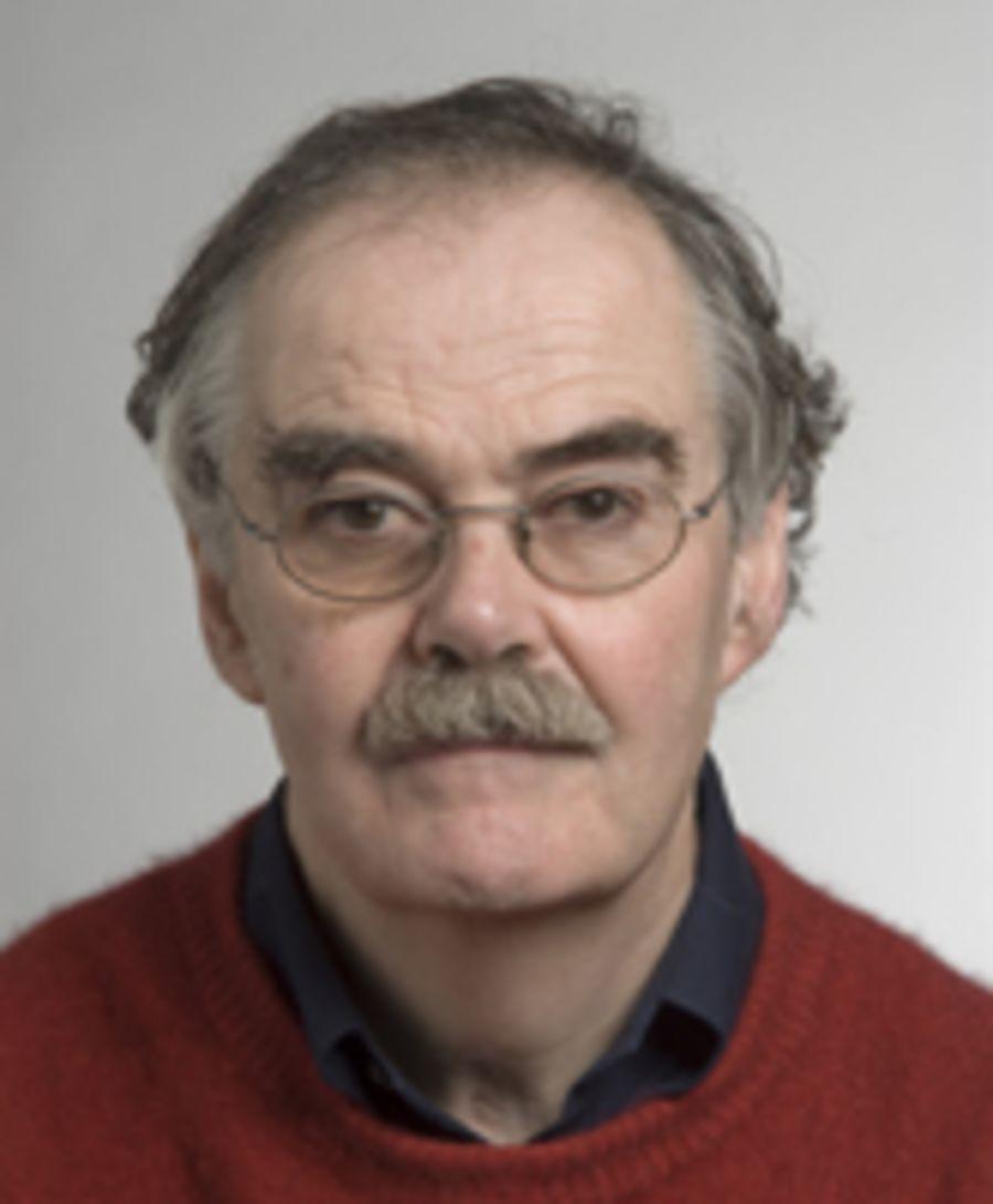SKREV NOE ANNET: Forfatter Robert Vale understreker at de ikke har sett nærmere på klimaeffekt i boken «Time to eat the dog?».