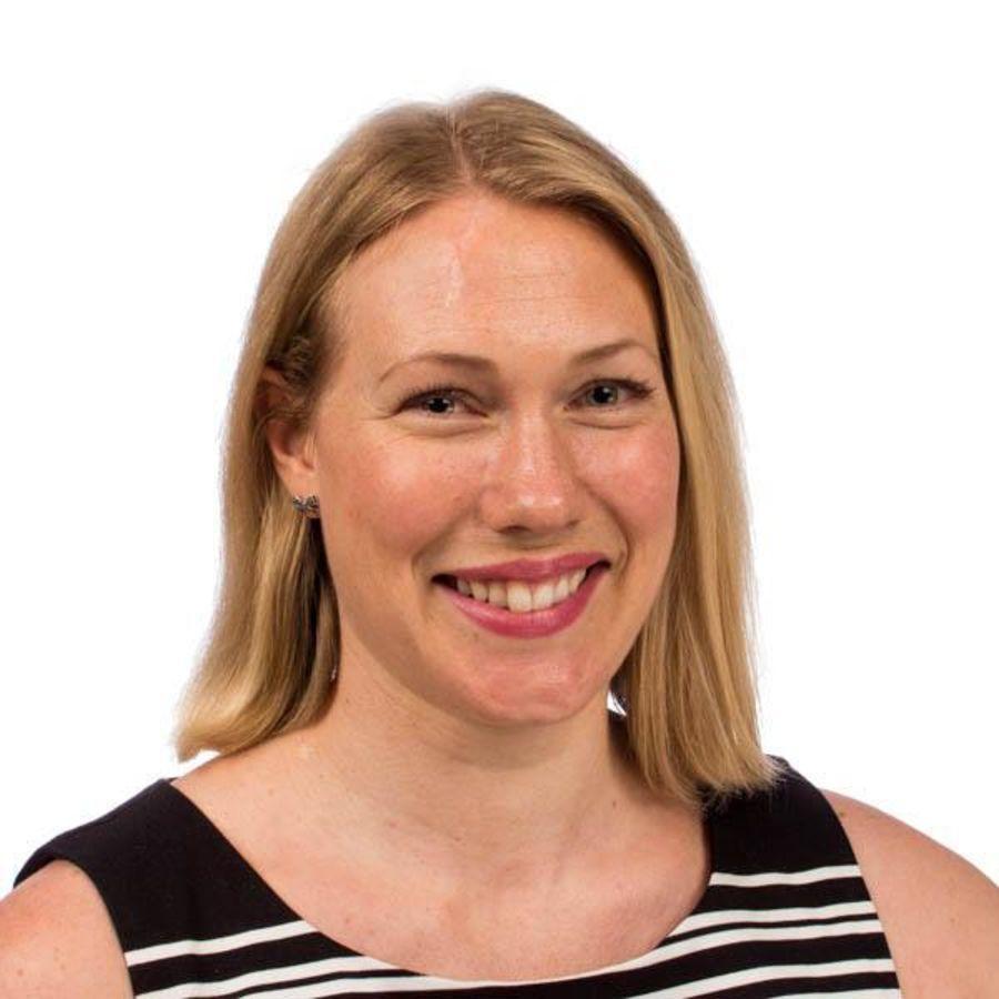 LIVSLØPSANALYSER: Forsker Linda Ager-Wick Ellingsen har blant annet ekspertise på livsløpsanalyser. Hun mener miljøfordelene ved elbiler er betydelige sammenlignet med fossilbiler.