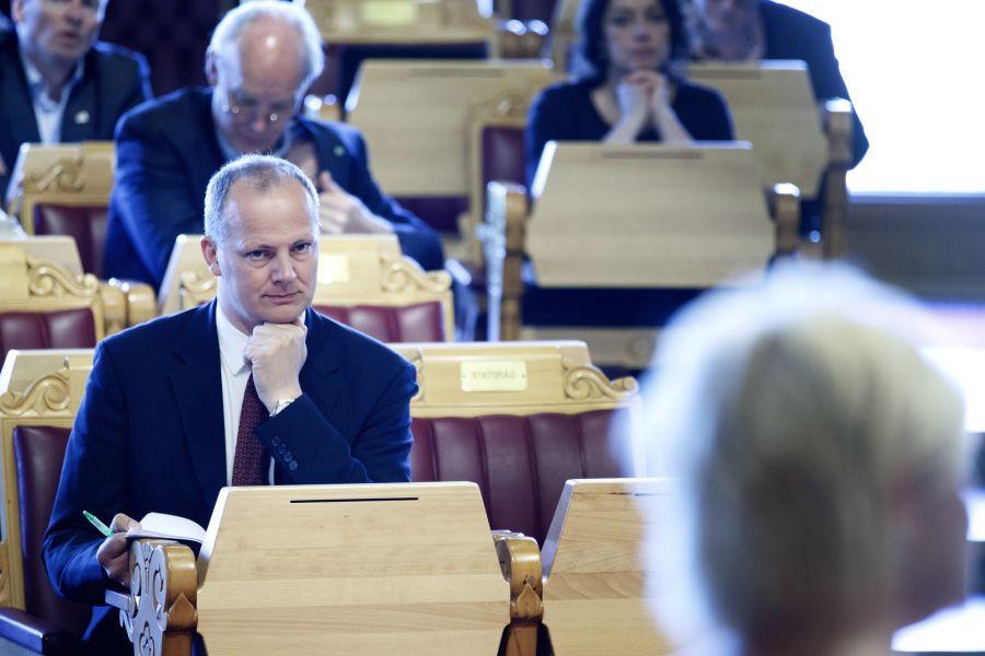 Samferdselsminister Ketil Solvik-Olsen (Frp) har vært lite borte fra spørretimen sammenlignet med sine rødgrønne forgjengere.