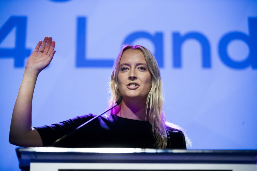 VIL LEGALISERE: Unge Høyre, her ved leder Sandra Bruflot, ønsker å legalisere bruk av cannabis.