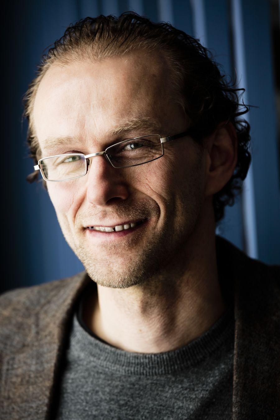 Professor i ernæring Birger Svihus ved NMNU mener FIVHs forutsetning om at alt fôret er menneskemat, åpenbart er overdrevet.