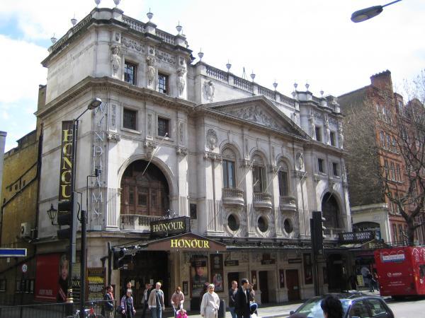 Hotels near Wyndham's Theatre