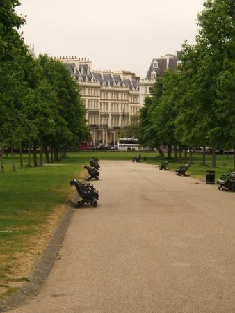 Hotels near Kensington Gardens