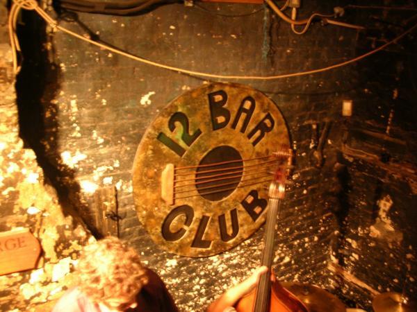 Hotels near 12 Bar Club