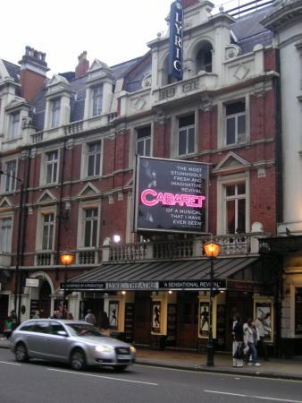 Hotels near Lyric Theatre