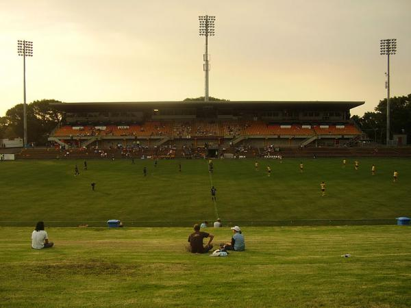 Hotels near Leichhardt Oval