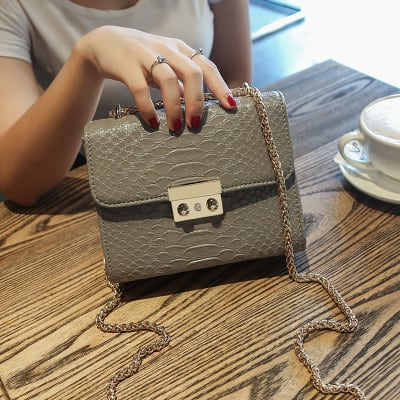 Enticing Women Shoulder Bag