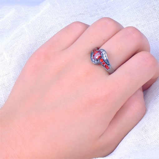 Red Oval Gold Vintage Ring