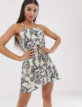 Boohoo exclusive swing dress with halterneck in palm print - Multi