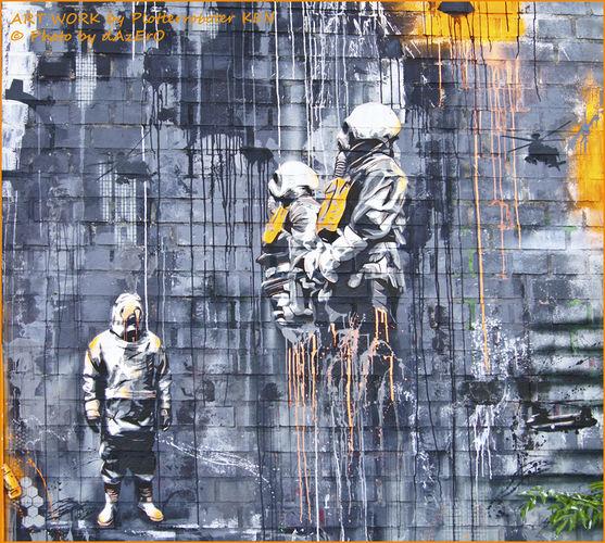Œuvre Par Plotterroboter KEN à Berlin (Coulures, Street Art)