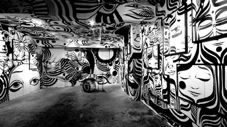 Œuvre Par Lucy McLauchlan à Birmingham (Abstrait)