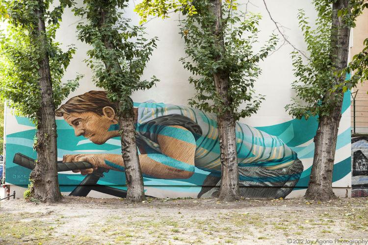 Œuvre Par Karl Addison, James Bullough à Berlin (Personnages, Street Art, Mur)