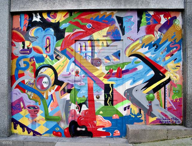 Œuvre Par Pelucas à Vigo (Coloré, Graffiti)
