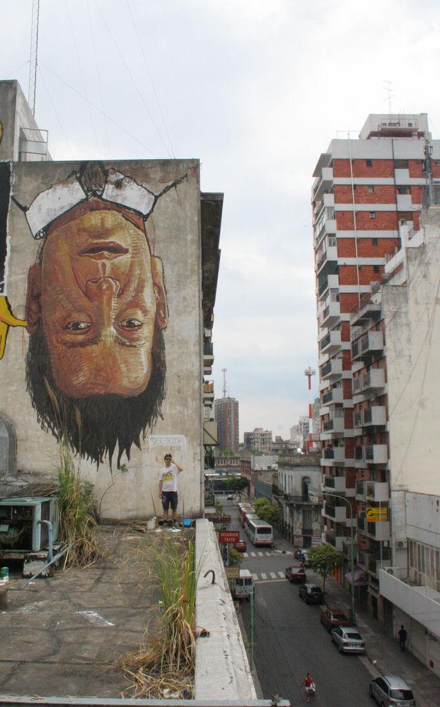 Œuvre Par El Decertor  (Façade d'immeuble, Portrait)