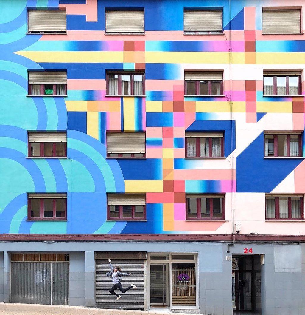 Œuvre Par Anna Taratiel à Oviedo (Coloré, Patterns, Façades)