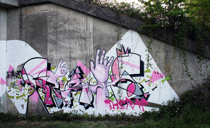 Œuvre Par John Kviar à Fontainebleau