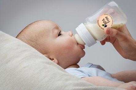 The Safest & BPA-Free Baby Bottle Brand (Moms' Guide)