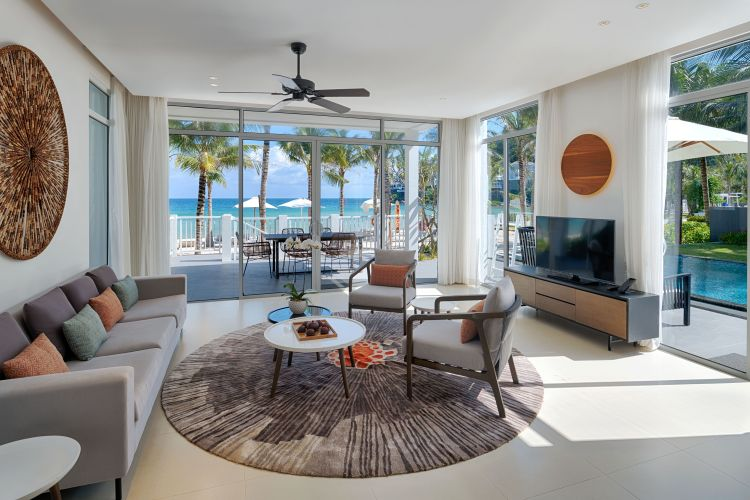 beachfront-villa_33215950218_o