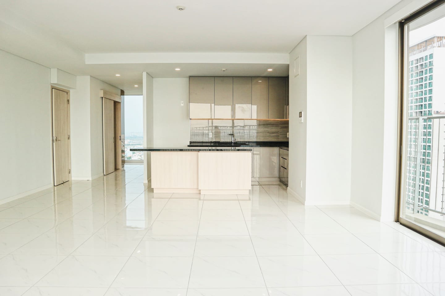 [SELL] WATERINA SUITES -  CRYSTAL DUPLEX 2 BR - banner