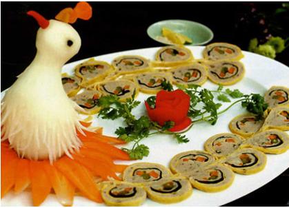 鳳凰造型的免治豬肉卷