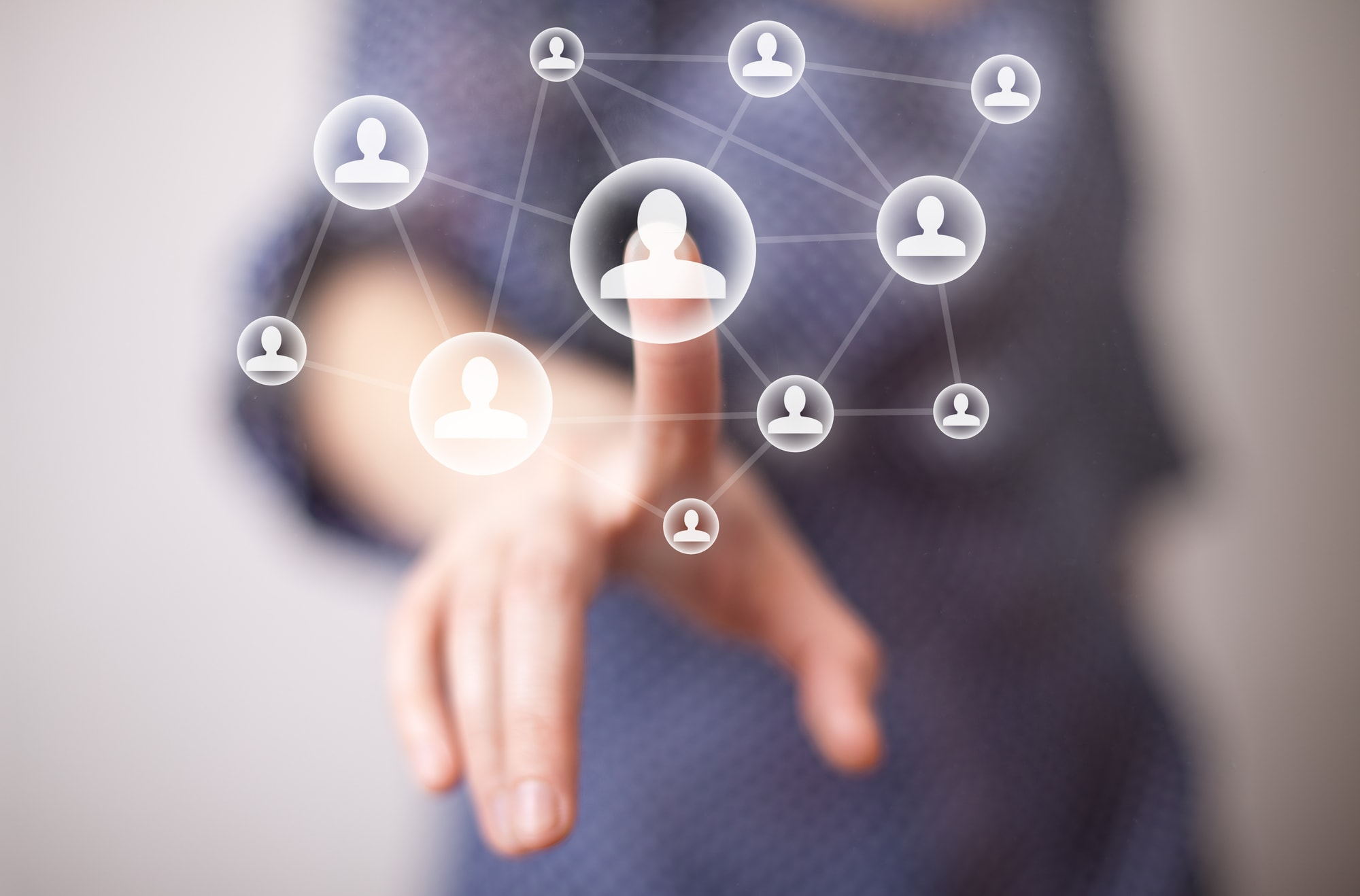 attracting+candidates+with+social+media