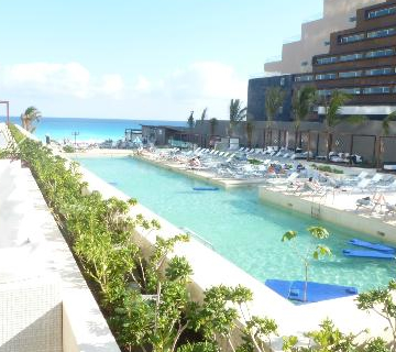 Cancun Vacation Image