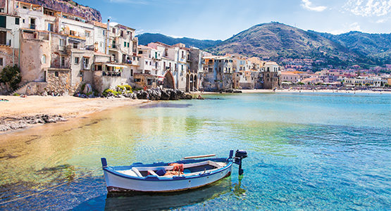 SOUTHERN ITALY & GREECE<br>14-day tour from $3911*