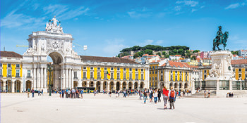 Save 10%* <br>on 2020 Europe tours<br>with Topdeck<br><br> Expires December 15, 2019