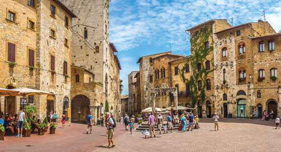 LOCAL LIVING IN TUSCANY<br>7-day tour from $1444*