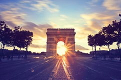 destination 2 paris france 242x160