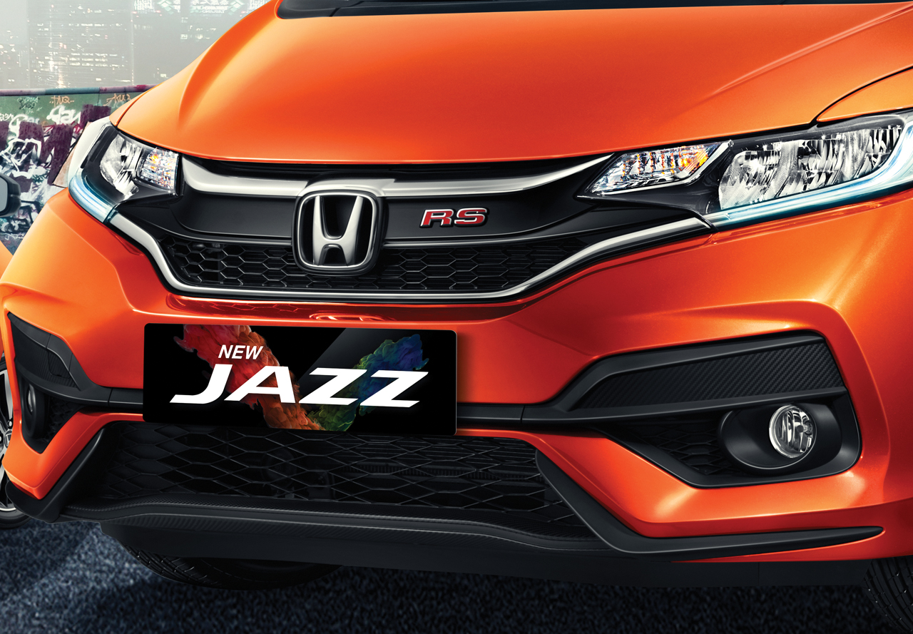 Stunning Front Grille + Sporty Front Bumper