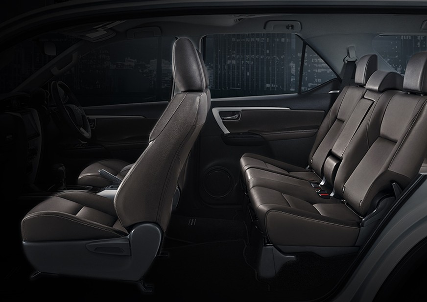 Spacious 7 Seater with comfortable seat design