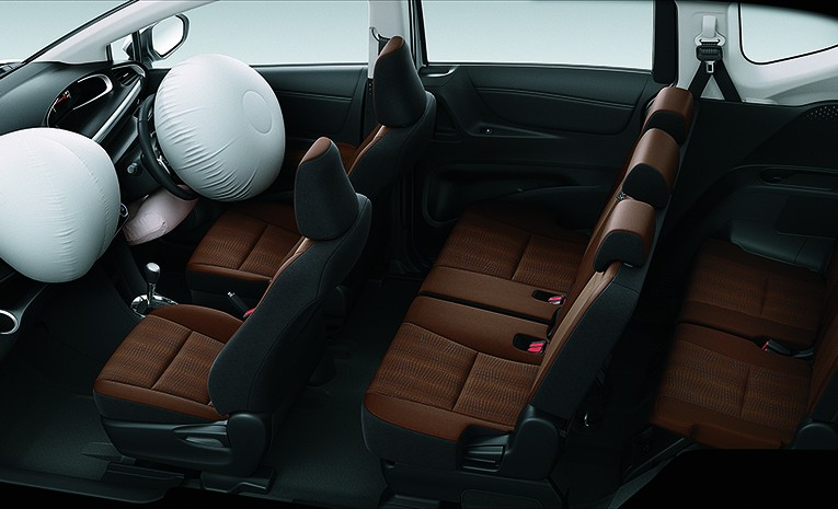 Dual SRS Airbags & Knee Airbag