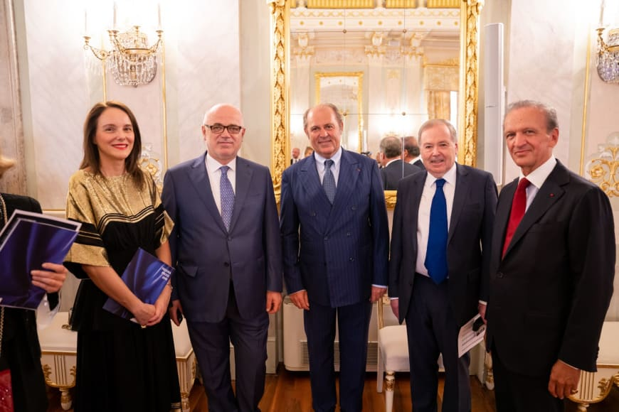 (From left to right)  Sibylle Gallardo-Jammes, International Communications Director of Van Cleef & Arpels, Maestro Fortunato Ortumbina, Sovrintendente of Teatro La Fenice di Venezia, Philippe Donnet, CEO of Generali Group, Nicholas Payne, Director of Opera Europa and Jérôme-François Zieseniss, President of FEDORA