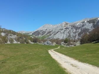 Aizkorri Mountain Trekking