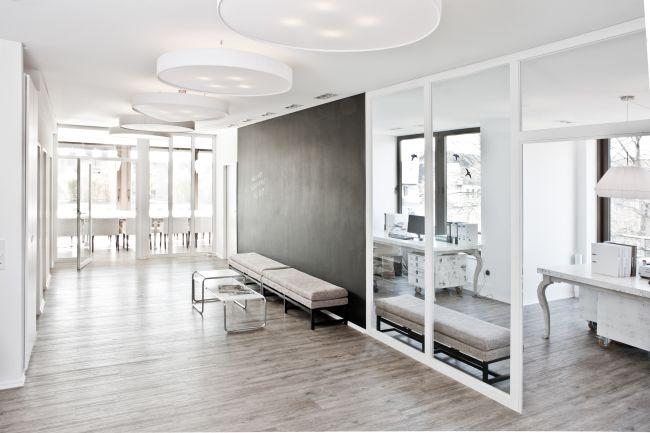 job als senior art director digital m w bei bplusd. Black Bedroom Furniture Sets. Home Design Ideas