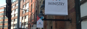 [Video-Interview] Warum die Einführung von New Work auch zu Widerständen bei Mitarbeitern führt. Aus dem Leben der Hamburger Agentur MINISTRY.