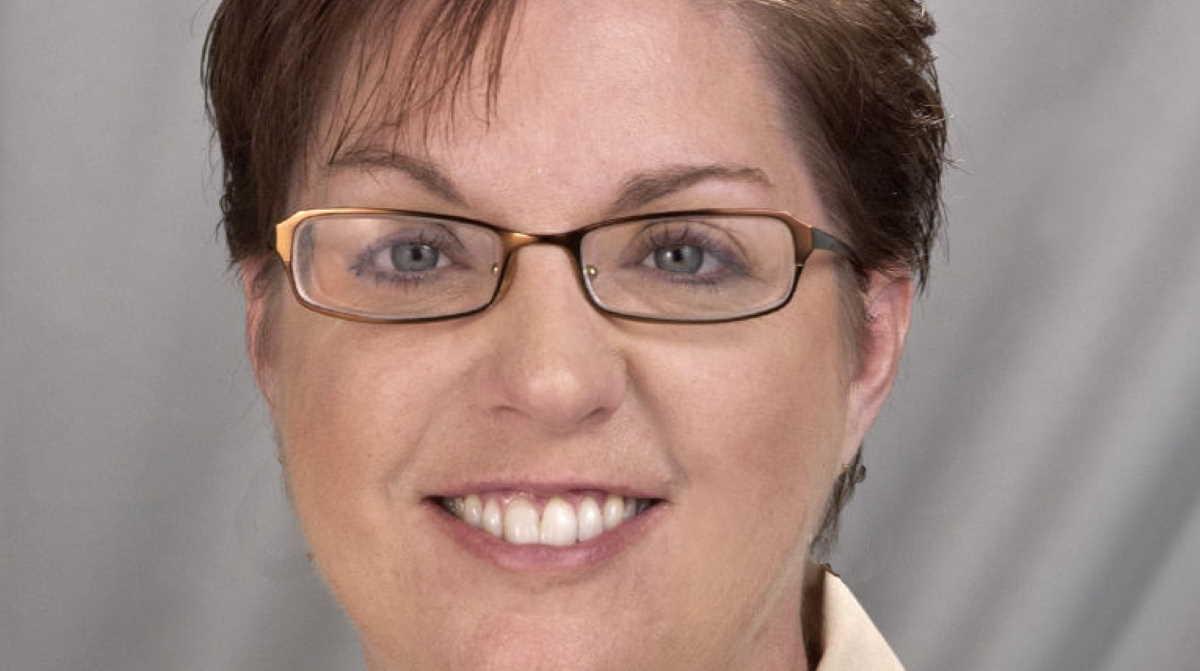 Julie McGwin